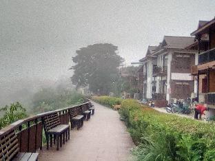[市内中心部]一軒家(80m2)| 8ベッドルーム/3バスルーム thaichiengkhan  gesthouse