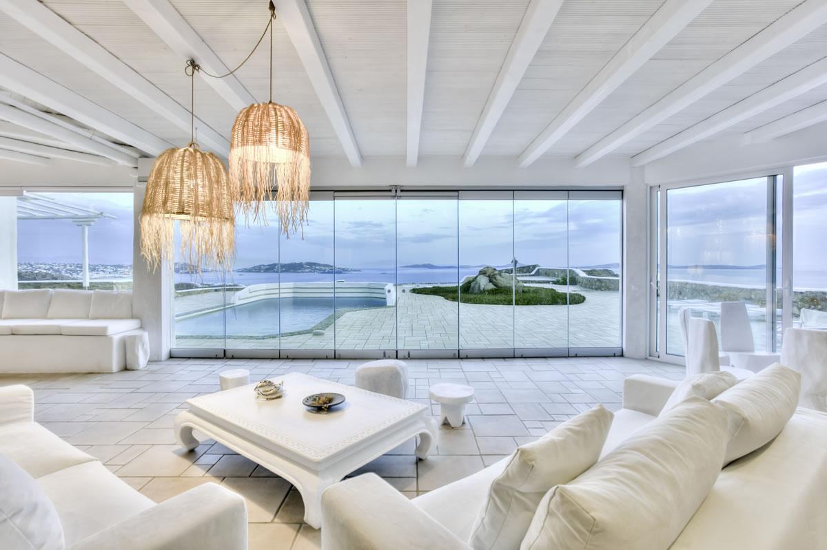 Luxury Villa Cliff Top 270