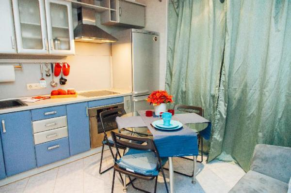 Charming apartment near metro & MSU Moscow