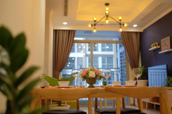 FREE AIRPORT PICKUP @ Pool View @Cozy luxury Apt Ho Chi Minh City