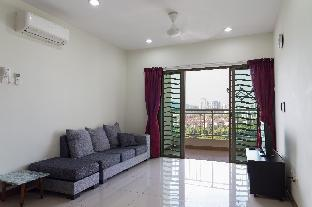 Friendly Guest Home (50m from LRT)