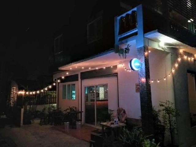 สตูดิโอ บ้านเดี่ยว 1 ห้องน้ำส่วนตัว ขนาด 30 ตร.ม. – สุขุมวิท – Craft Beer Homestay @ Where Is My Beer? House Bar