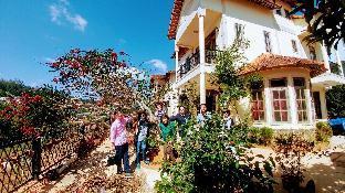 Shine Dalat sweet balcony Room