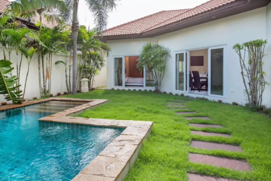 Luxury Pool Villa   Private Beach In Pattaya
