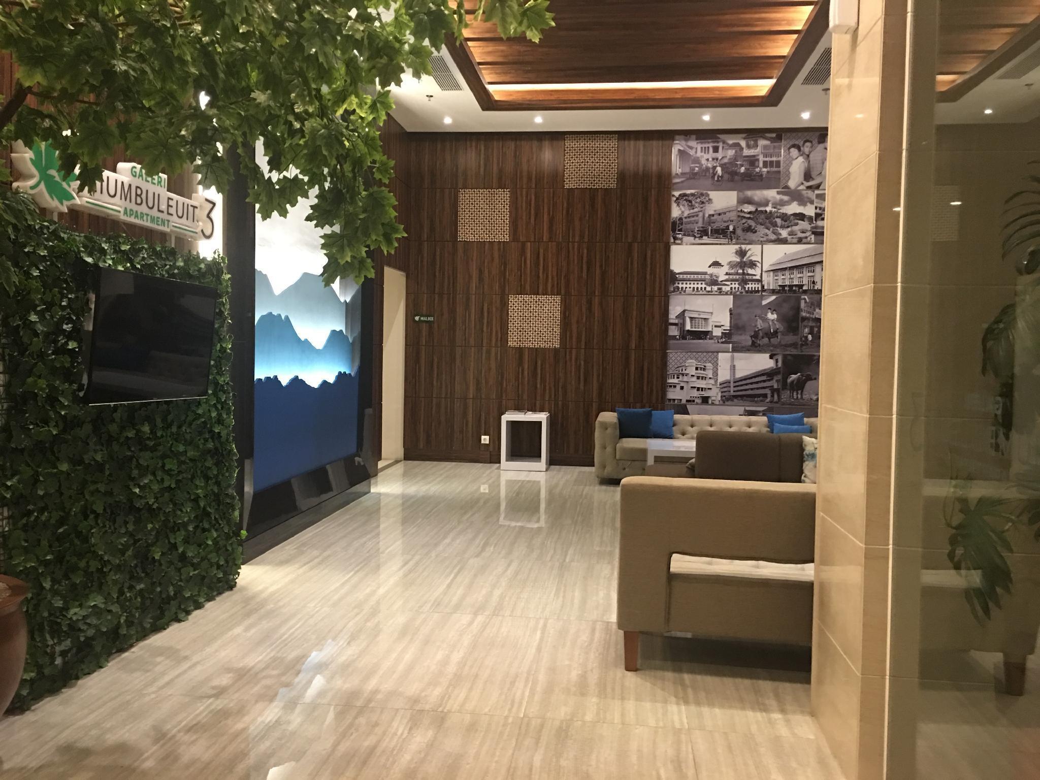 Price New! Cozy room at Galeri Ciumbuluit for 3 adult