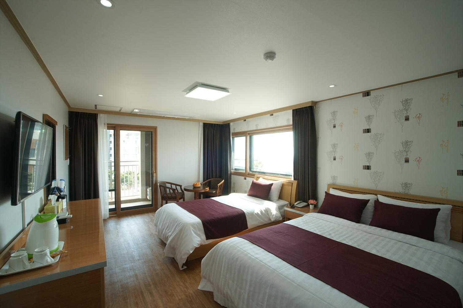 Momento House  Momentor Hotel