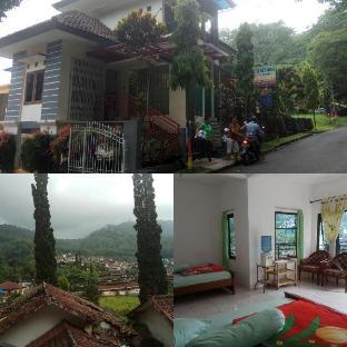 Tekada , villa khusus keluarga Malang
