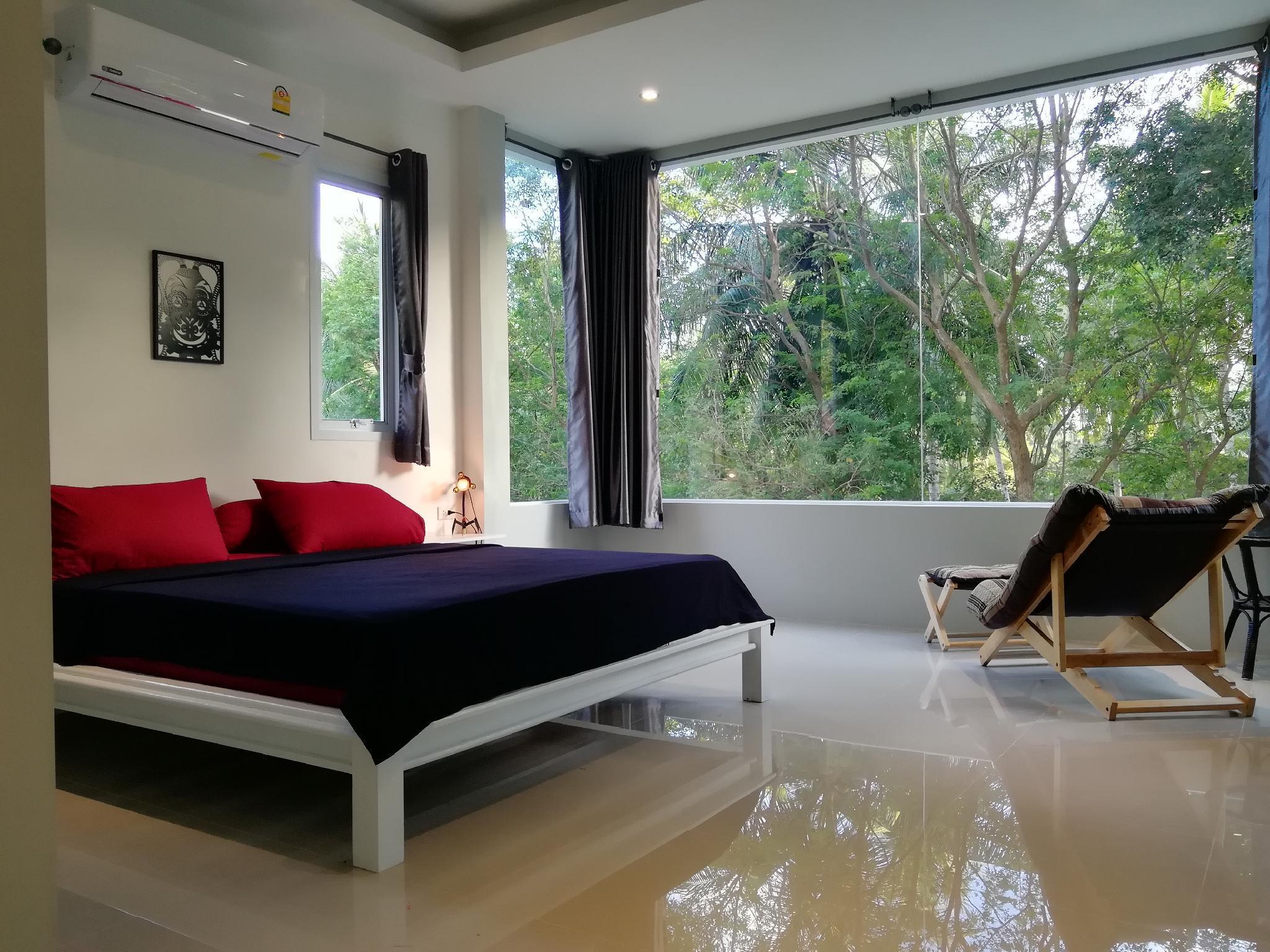 Jungle White House   1 Bedroom