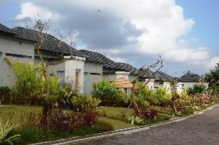 Private Two Bedroom House with Rice field View Denpasar Kota