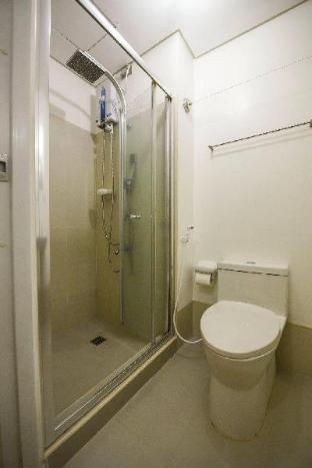 picture 3 of Budget 1BR Light Residence Boni MRT EDSA DSL WIFI