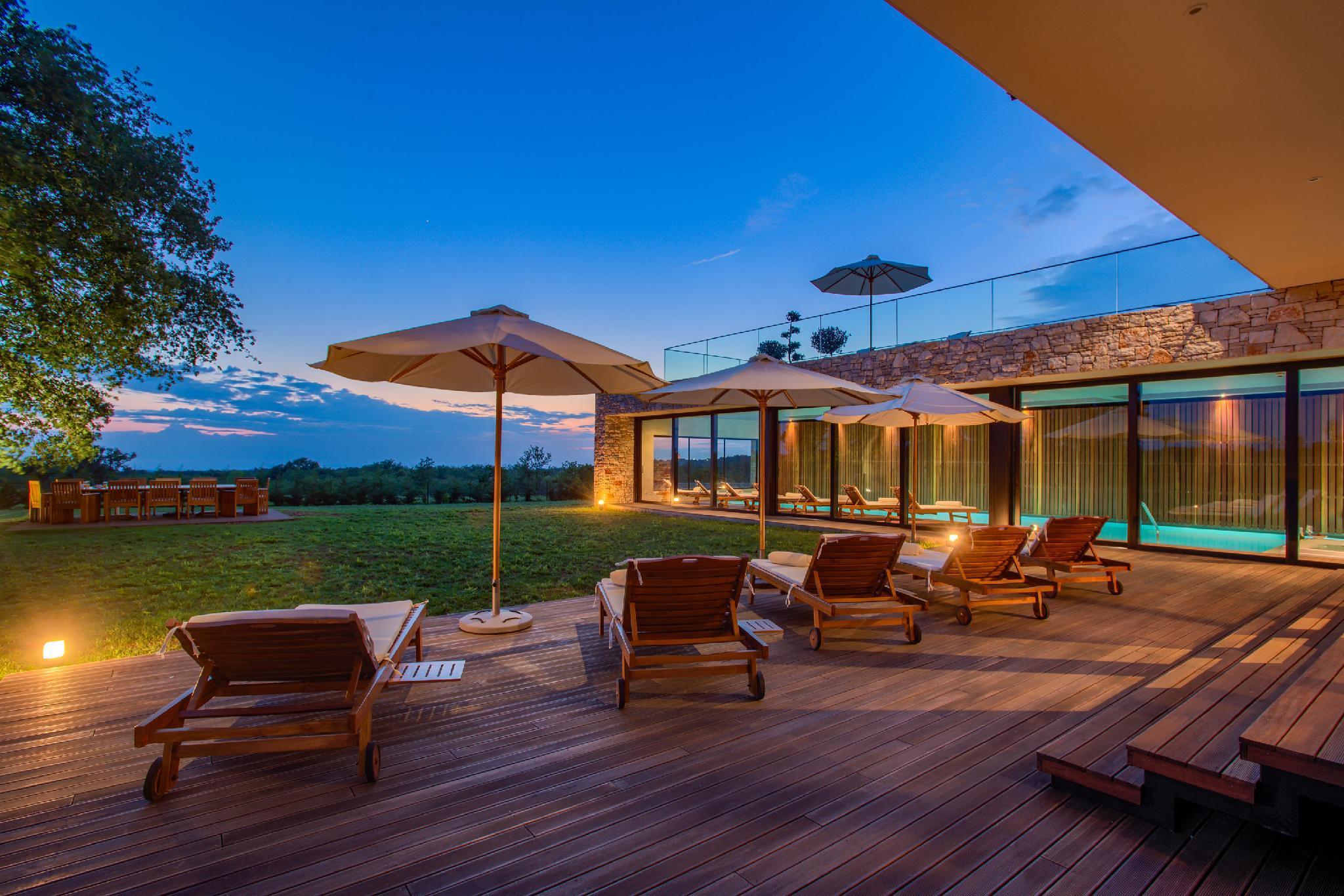 Private And Comfortable Contemporary Design Villa