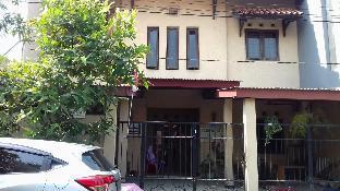 Key Syariah Guest House(Penginapan Khusus  Putri) Surabaya Kota