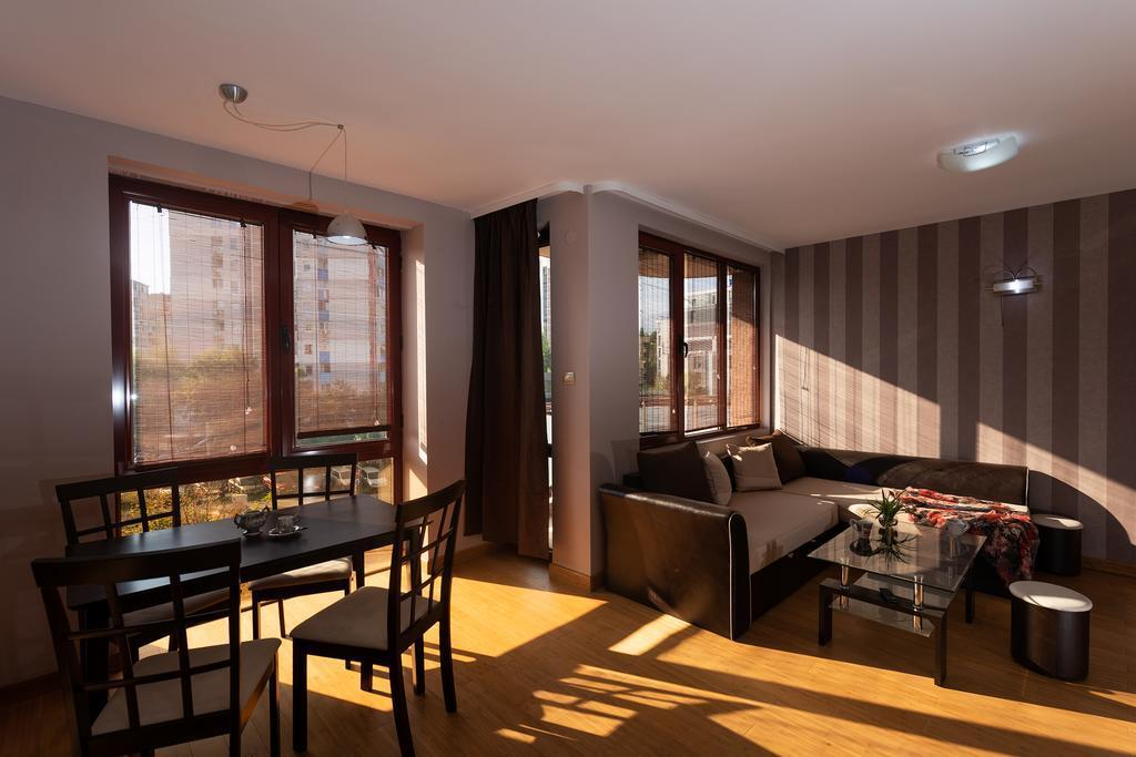 One Bedroom Apartment   DCity Aparthotel