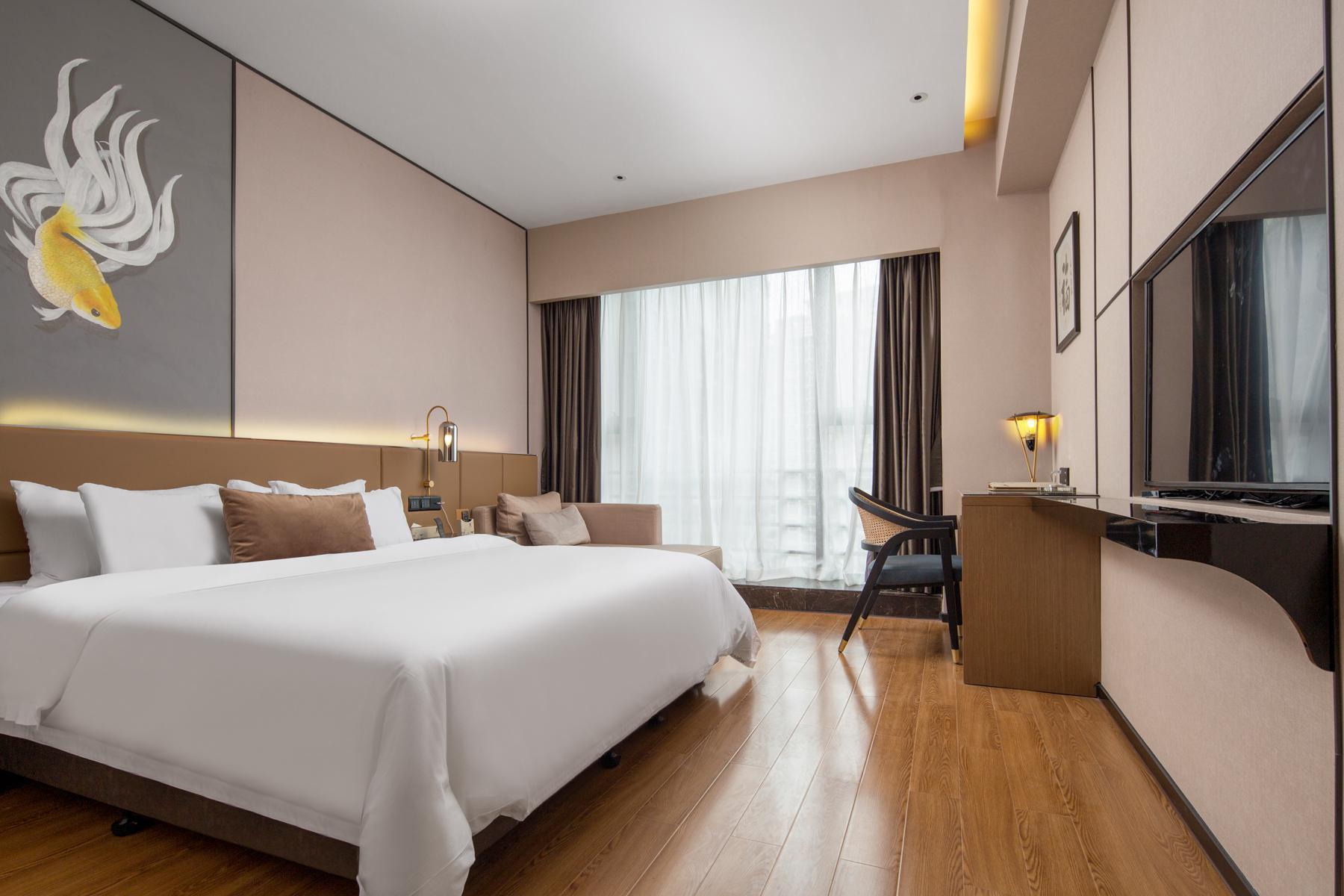City View Big Bed Room