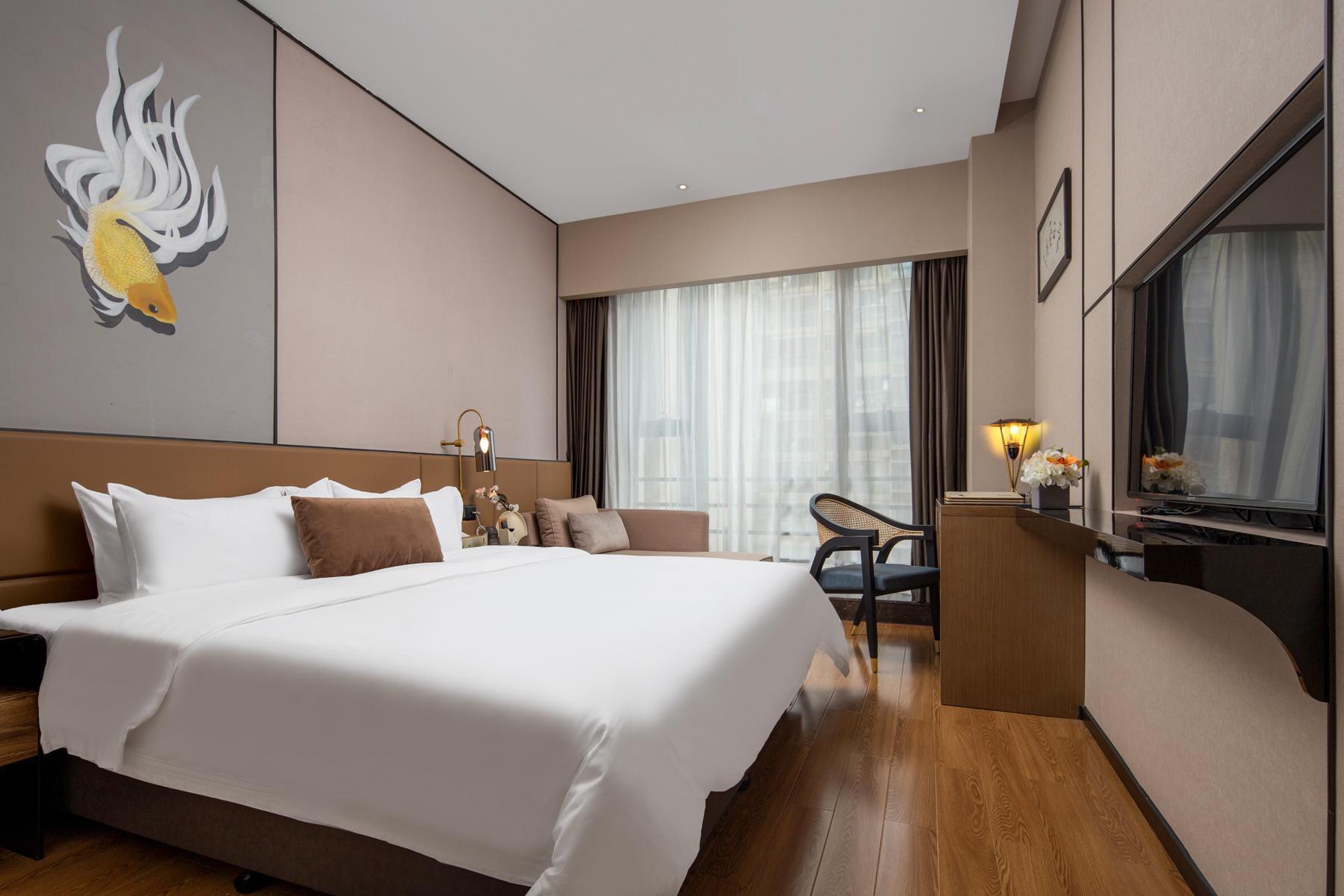 Exquisite Big Bed Room