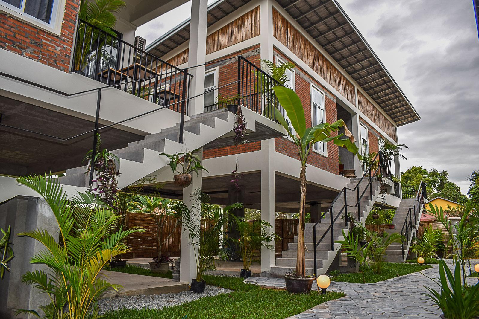 Treetop Bungalows  – Hotel Review, Pictures & Room Rates