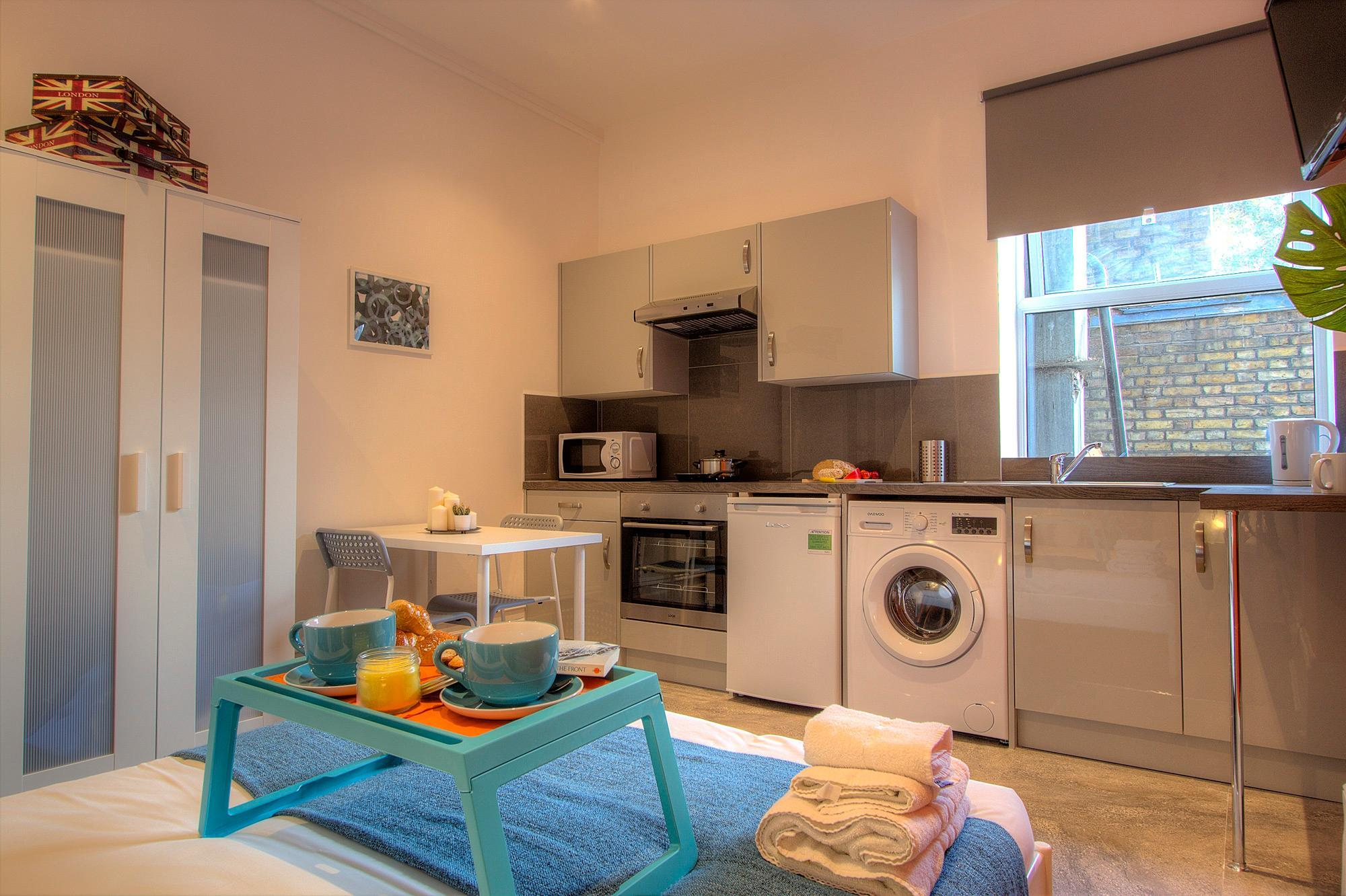 Studio close to central London #RED B Discount