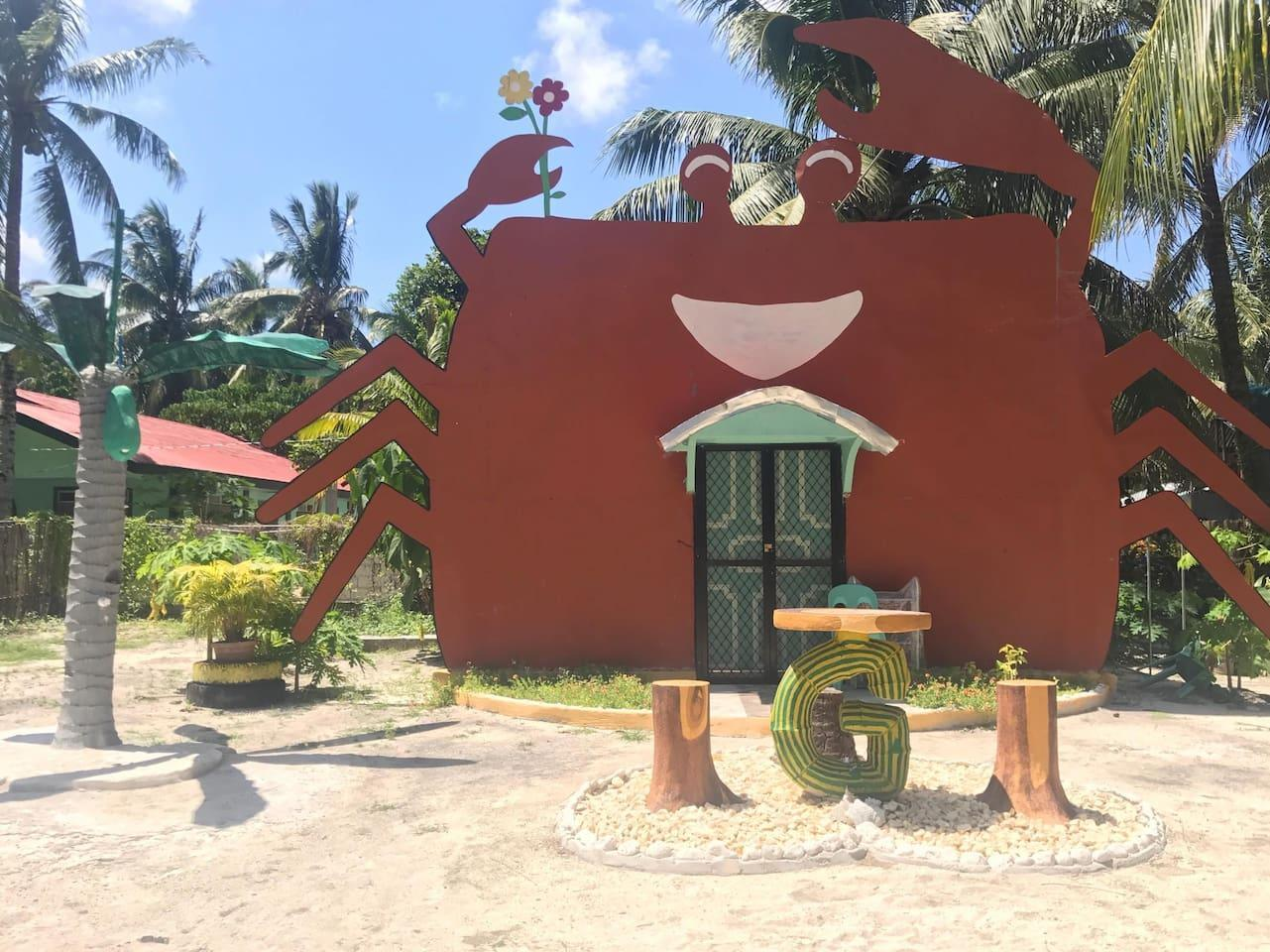 CRAB HOUSE In GENERAL LUNA