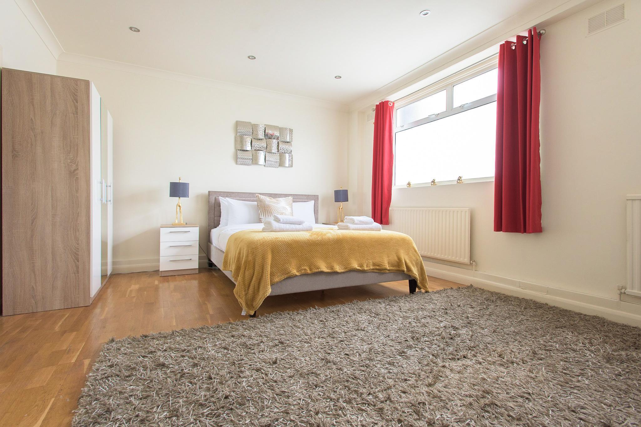 Platinum Apartments Near Mornigton Crescent