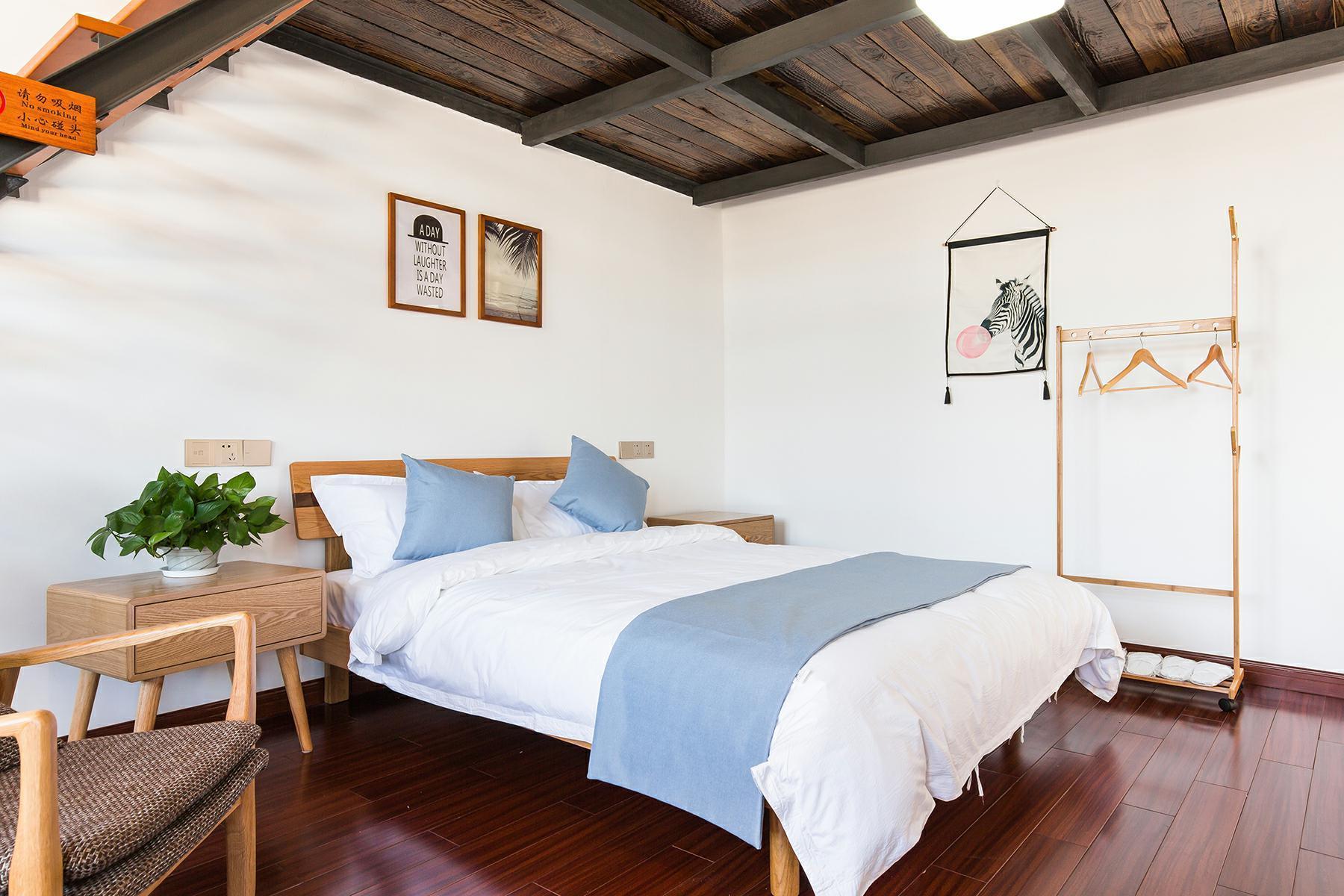 Exquisite LOFT Twin Room 302 Free Breakfast