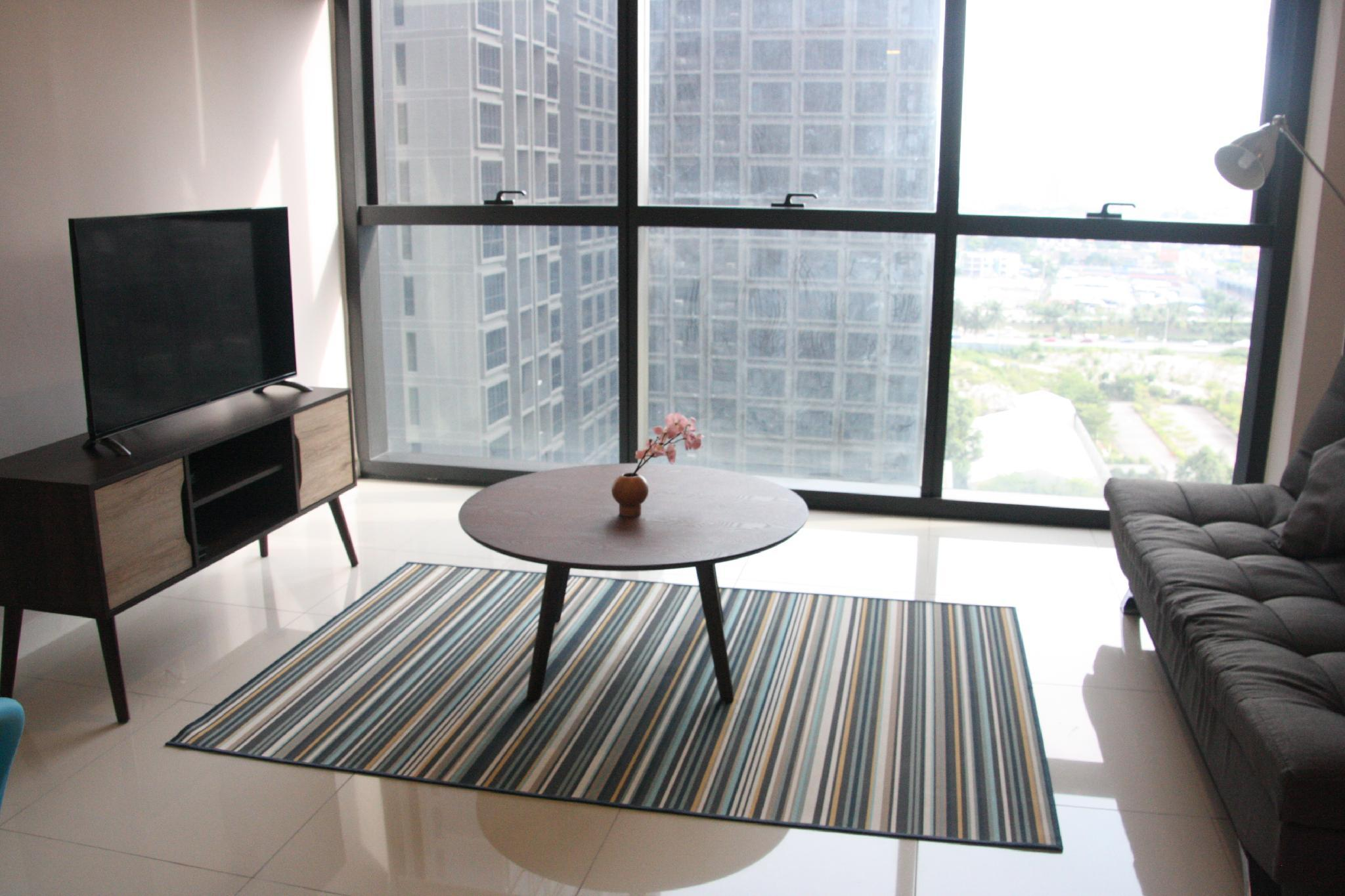 Icon City Homely Duplex Located In The Heart Of PJ