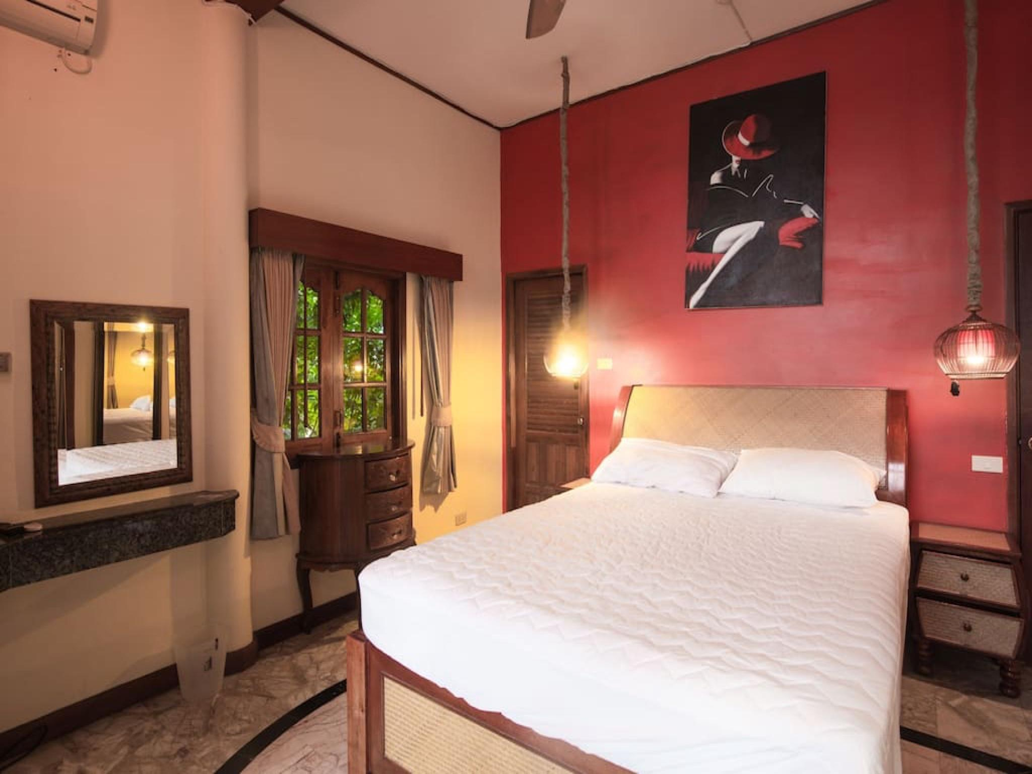 7 Bedroom Sea Front Villa    Koh Phangan