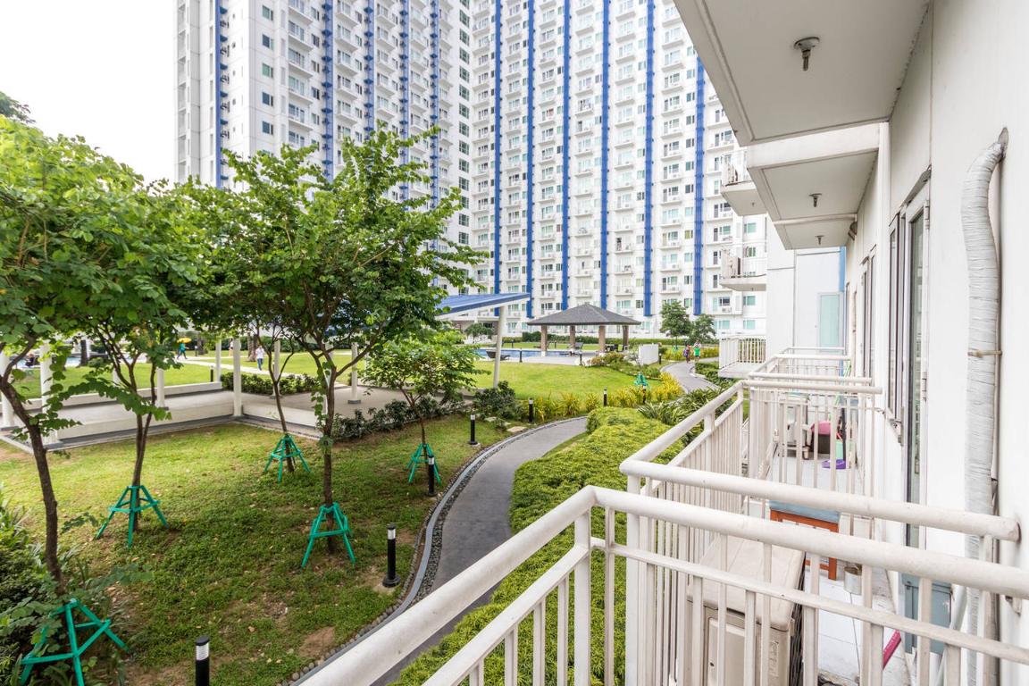 Studio Condo Pool View SM North EDSA Quezon City