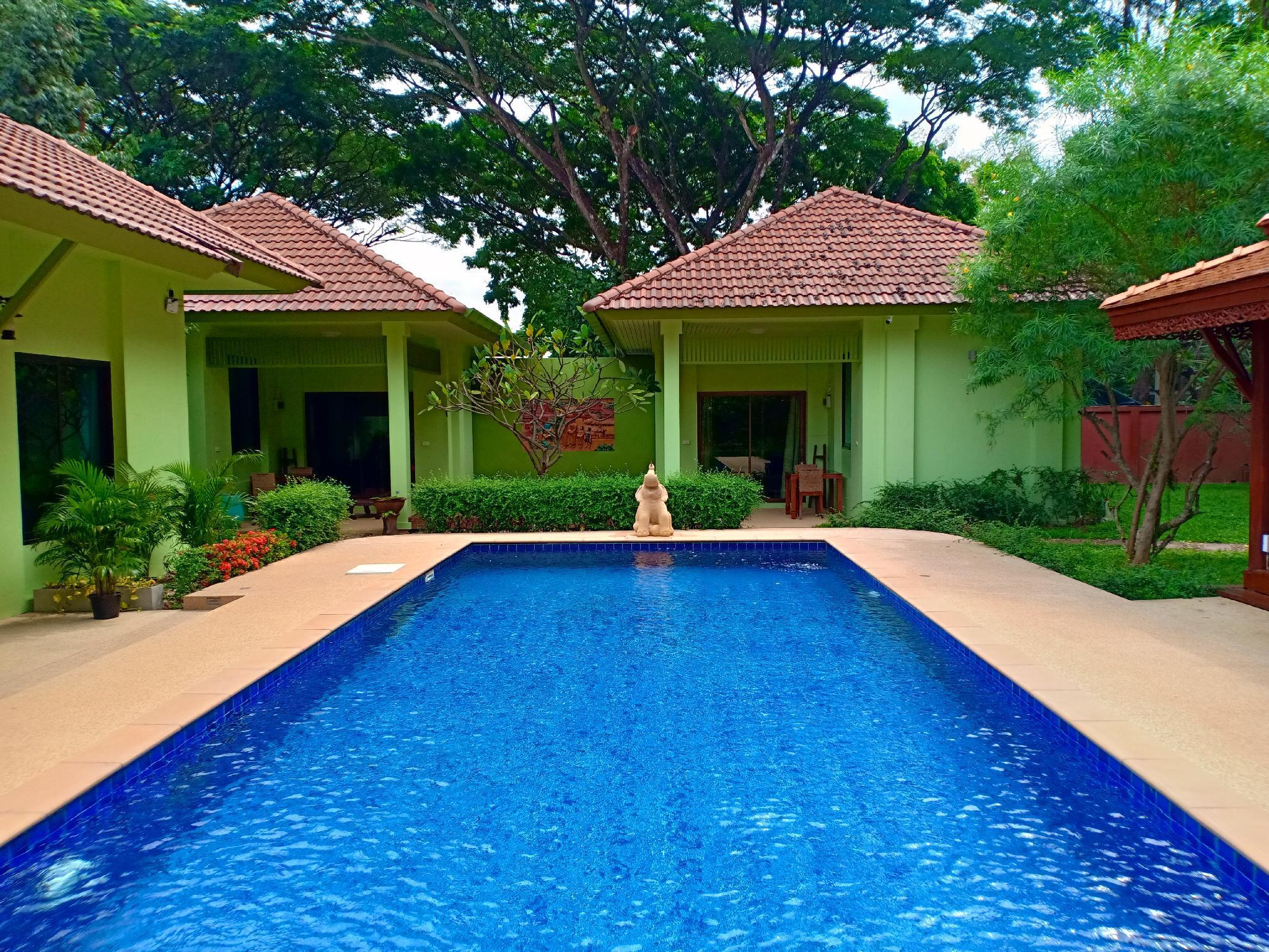 The Villa Vanali One Bedroom Pool Front (sleeps 2) The Villa Vanali One Bedroom Pool Front (sleeps 2)