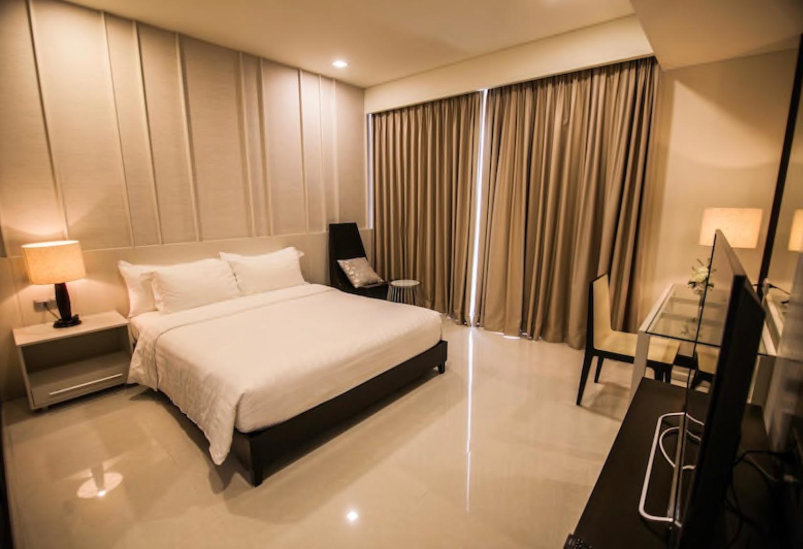 2 Bedroom Executive Suite Sea View   The Costa