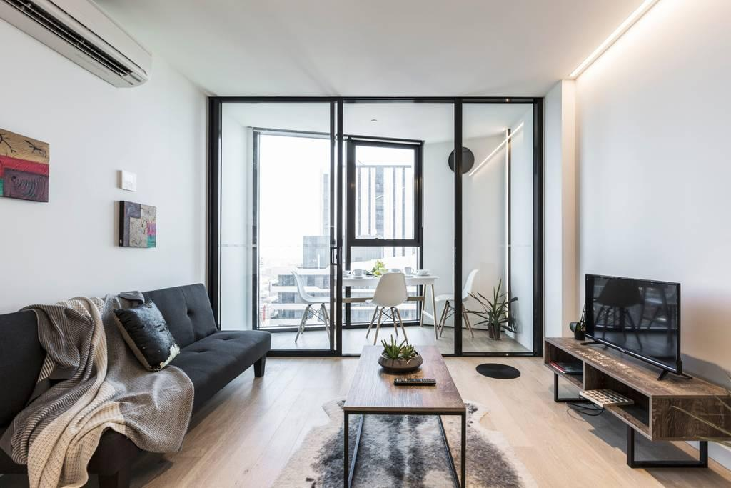 Stunning Lighthouse Melbourne CBD Apartment
