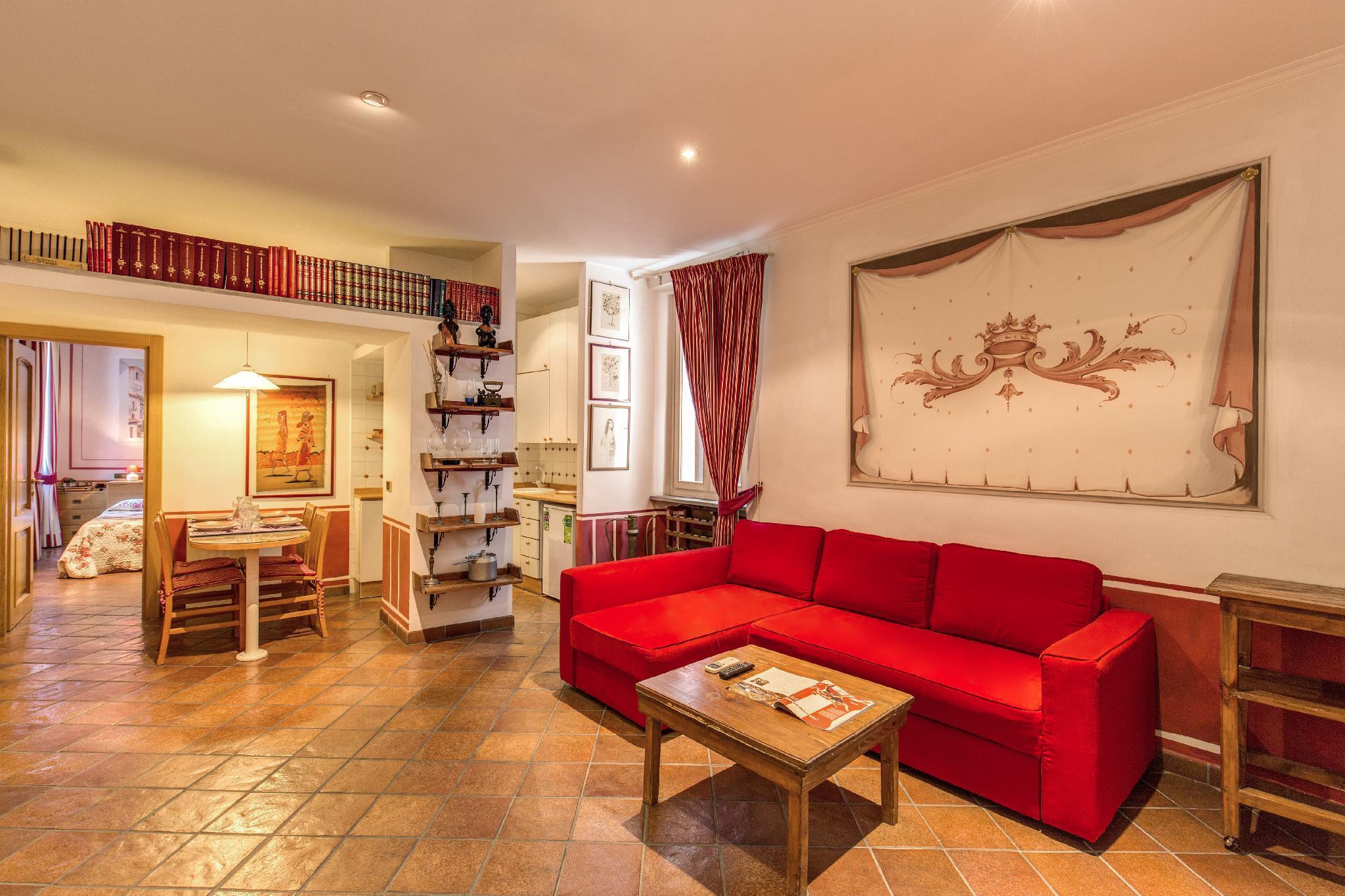 Lovely flat in Fontana di Trevi