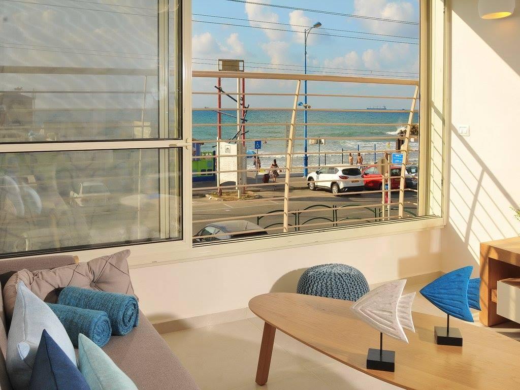 Housea   Sea View Apartment