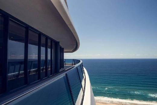 Luxury 3 Bedroom in heart of Broadbeach