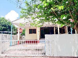 [ラヨーンビーチ]一軒家(150m2)| 2ベッドルーム/2バスルーム Mae Rampung Beach House 202  (shared pool )