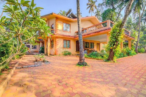 Modish 2 BHK, 1.3 km from Calangute Beach/71085 Goa