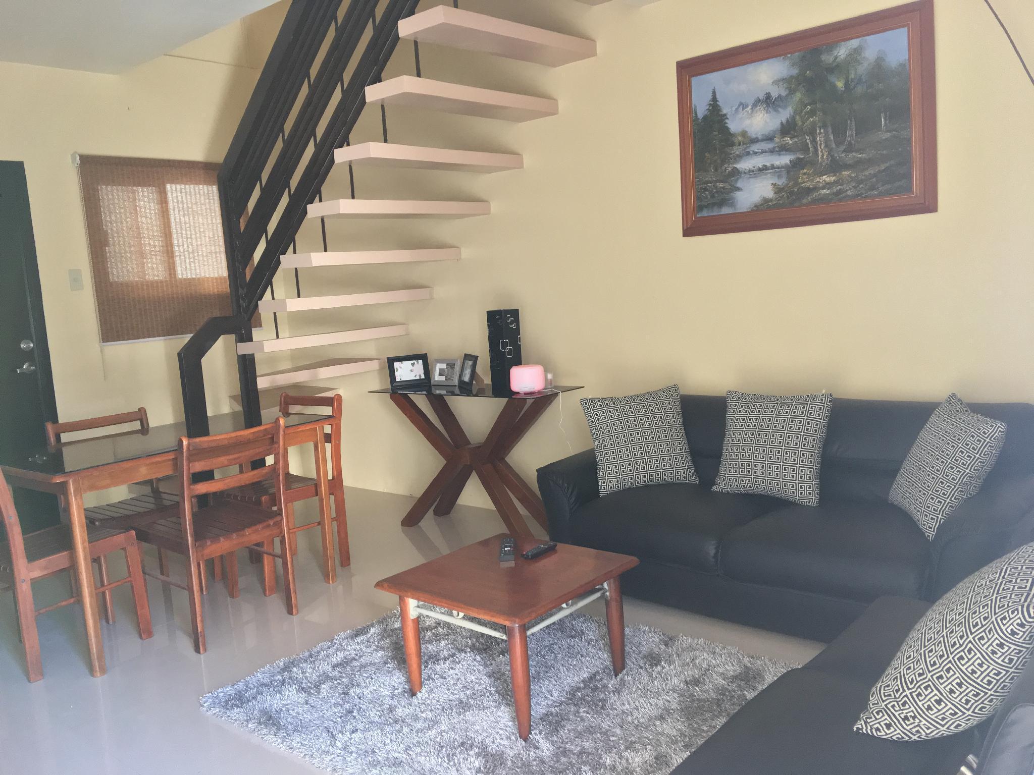 Unit J-5, 2BR House @Tagaytay Hampton Villa