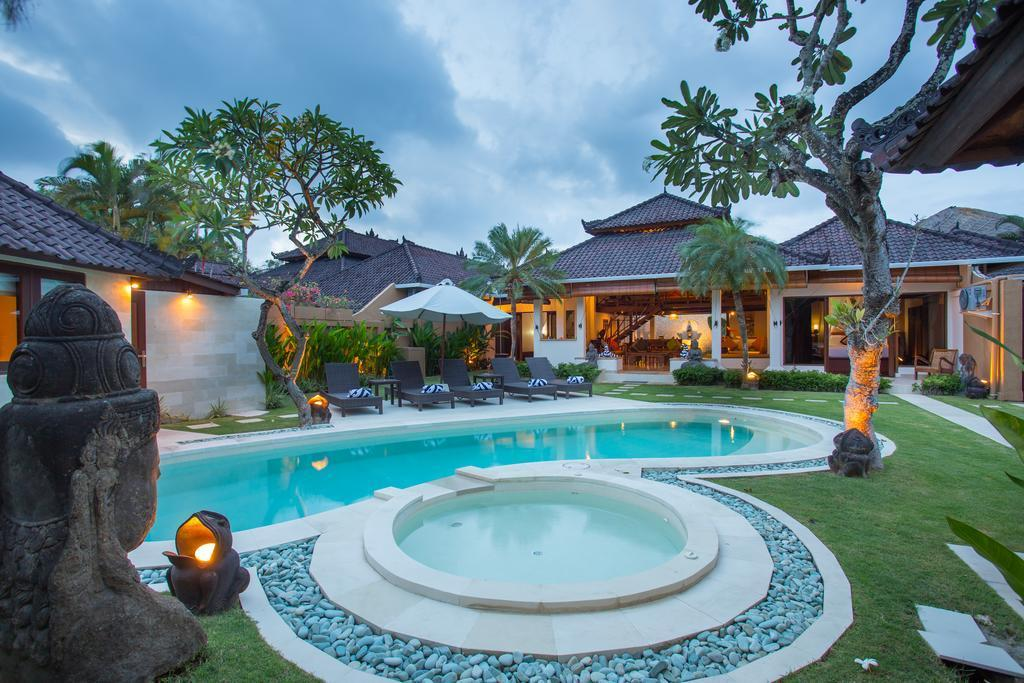 Luxurious Large Villa @5BDR Close To The Beach