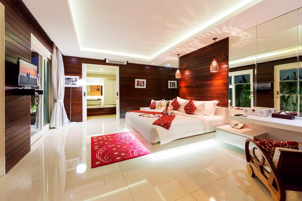 Two Bedroom Family Pool Villa At Bajra
