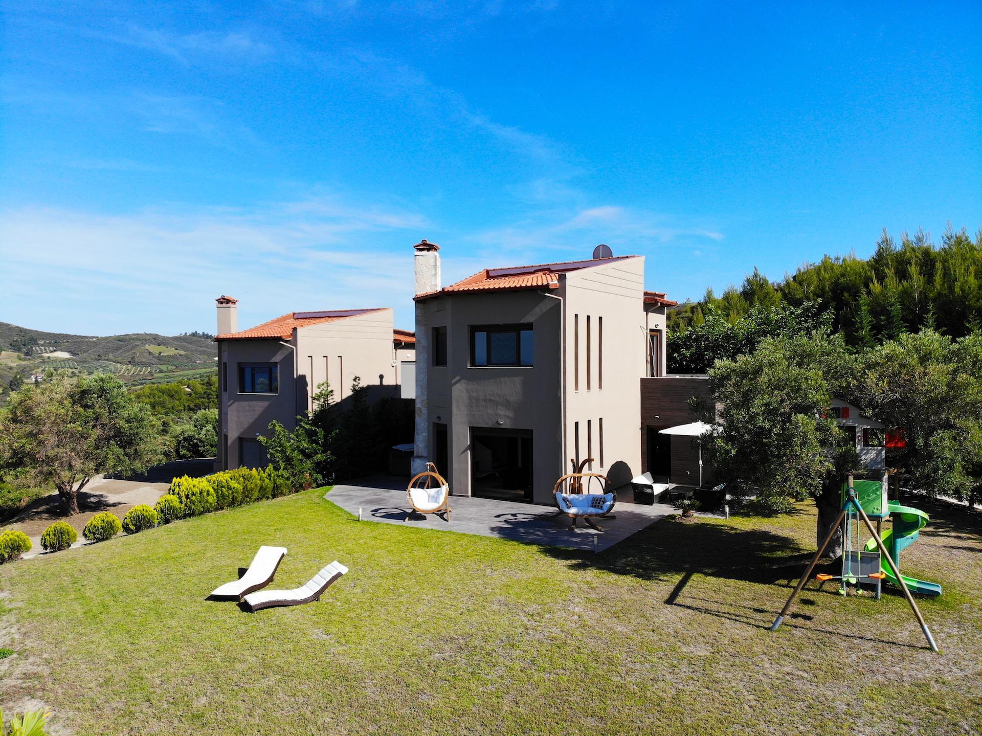 Granari Hanioti Deluxe Villa