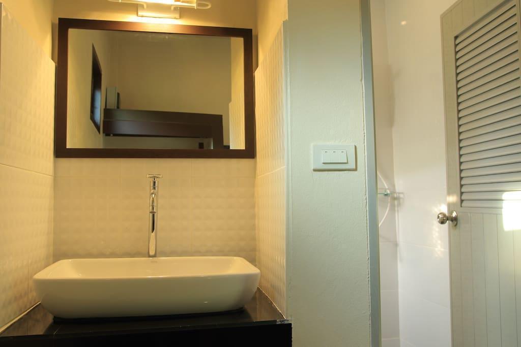 Bang Po Hut 2 บังกะโล 1 ห้องนอน 1 ห้องน้ำส่วนตัว ขนาด 30 ตร.ม. – บางปอ