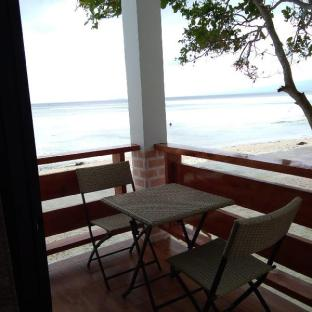 picture 5 of Island Sea View Suite 3 with Breakfast for Two