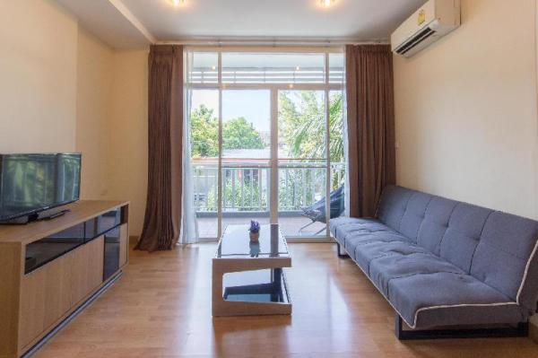 King Bed  Pool  Prime location Parking Chiang Mai