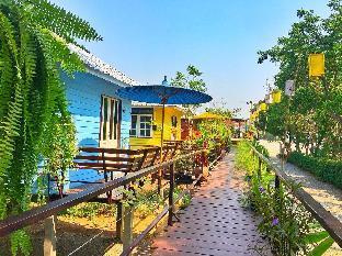[市内]バンガロー(20m2)| 1ベッドルーム/1バスルーム Peaceful and Colorful Bangalow in town along river