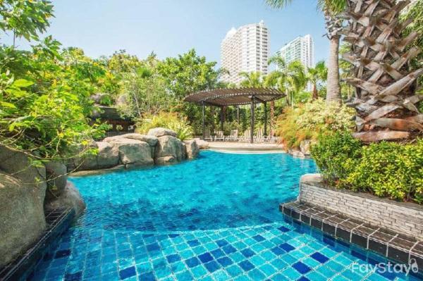 Perfectly Infinity Edge Pool view 1BR Pattaya Pattaya