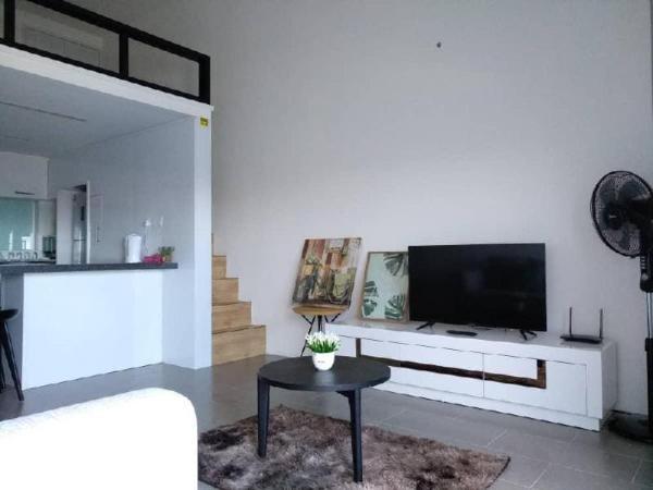 Luxury Duplex Suite * linked bridge to Bangsar LRT Kuala Lumpur