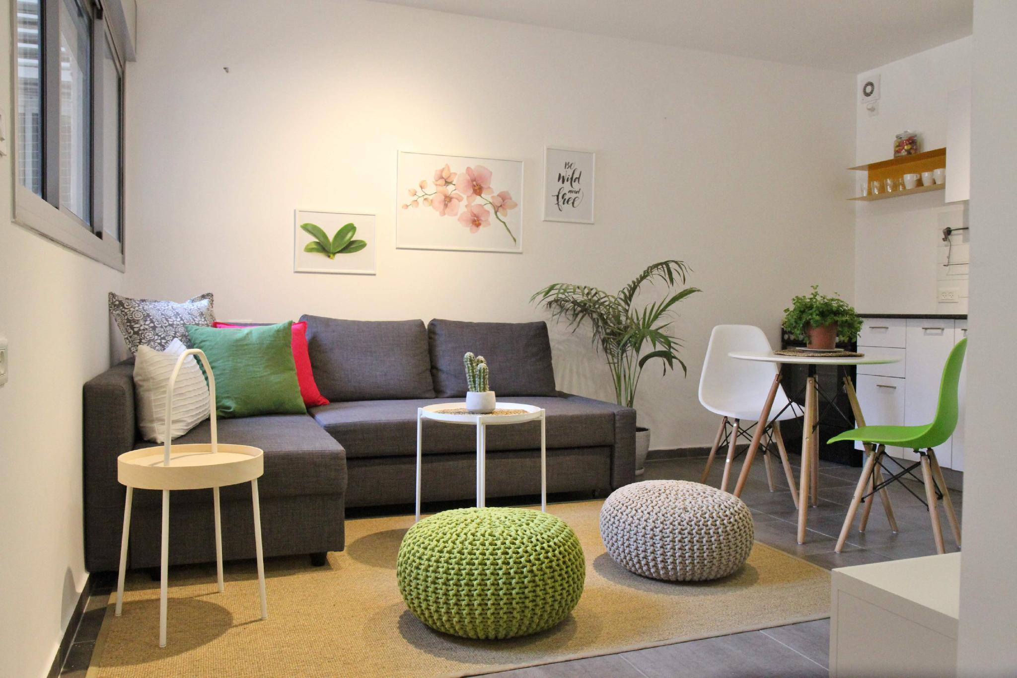 Amazing 2r Flat At The Most Visited Place In TLV