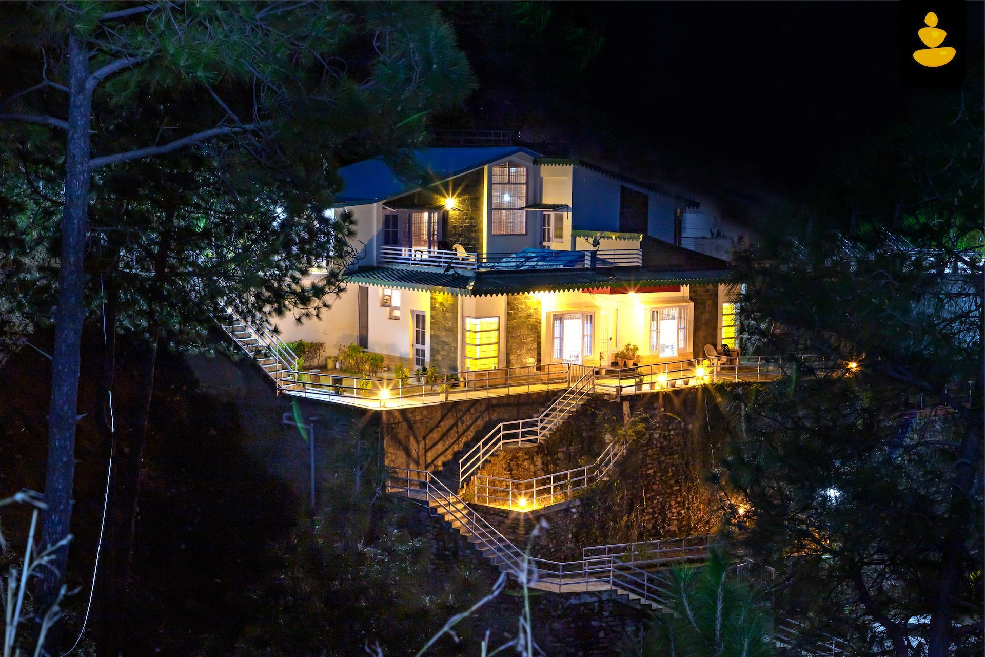 2BHK Cozy Mountain View Cottage