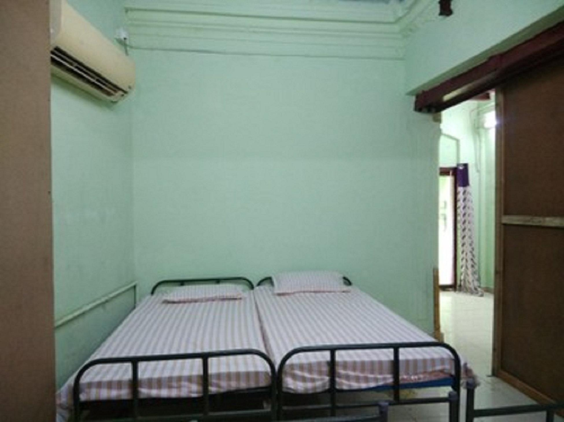 Bachelor Party Home Stay Like Dormitory