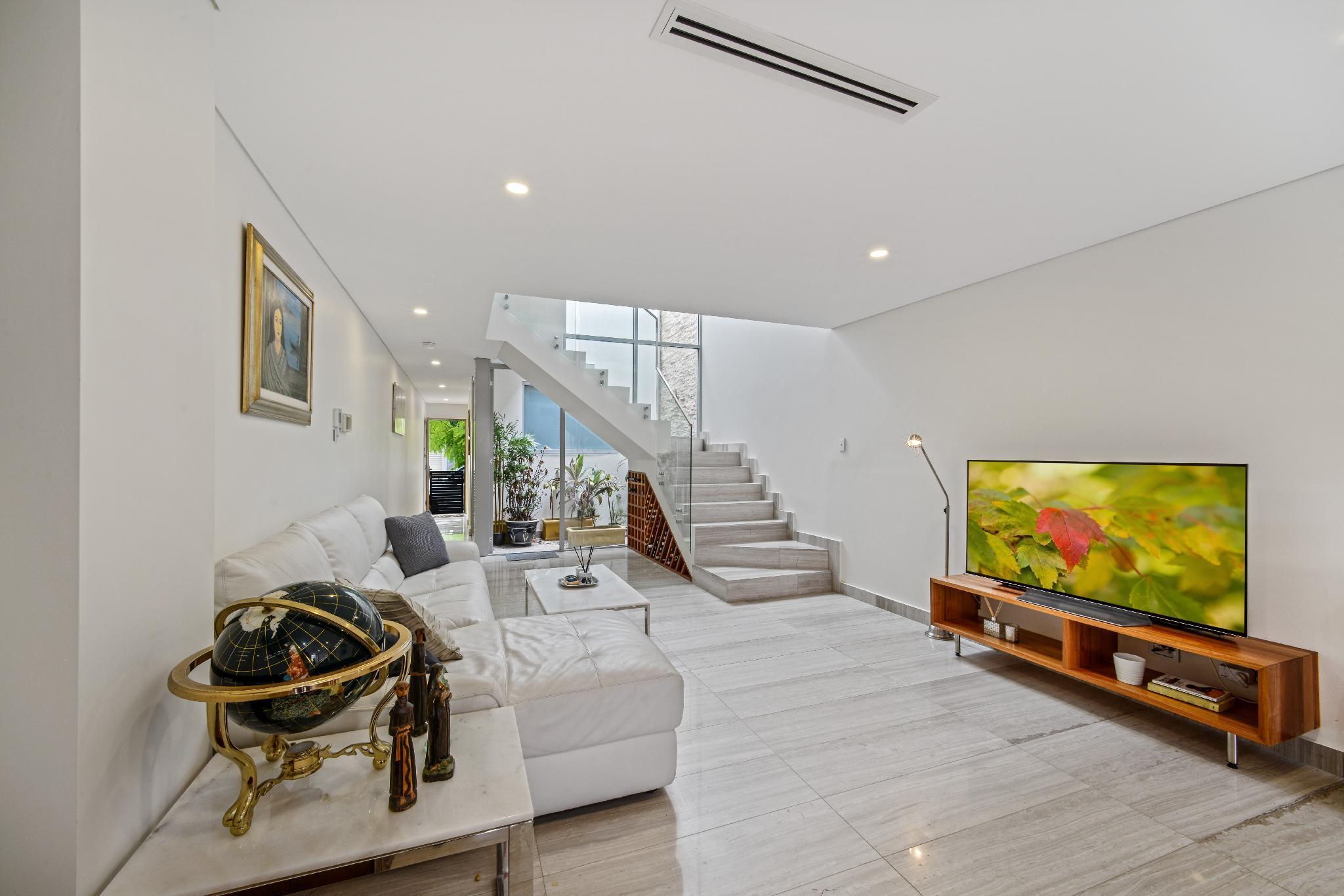 Luxurious 5 STAR New House Hidden NearCentral CBD