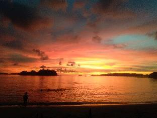 picture 1 of Acuario Beach Inn